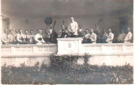 Meininger Hofkapelle 1925 im Musikpavillon des Kurparks - Repro W.Malek