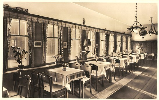Innenansicht  Fensterfront in Richtung Schießstand - Archiv W.Malek