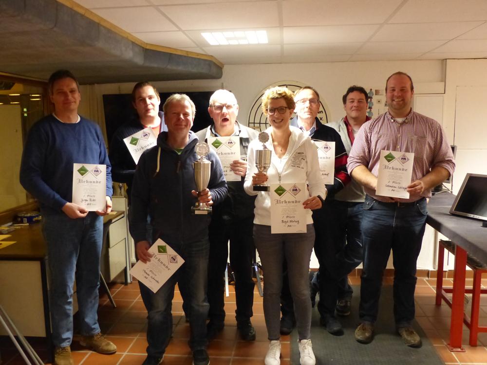 Unsere Sieger von links: Jürgen Rüter, Jens Hernsel, Thomas Schnieder, Bernard Hernsel, Birgit Nentwig, Ludger Althoff, unser König Markus Kammann und Sebastian Schlinge.