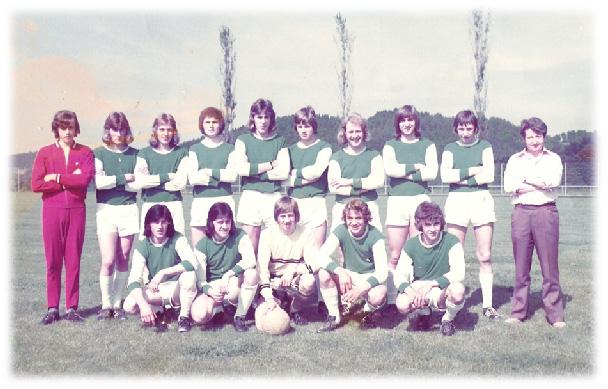 Jun. A 1972/73; v.h.l.: ?, P. Tschopp, W. Anliker, A. Steinmann, E. Fuchs, A. Chappuis, H. Jordi, P. Steinger, L. Bieri, F. Jost (Trainer); v.v.l. H. Bucher, P. Korner, H. Riechsteiner, K. Neuenschwander, F. Eiholzer.