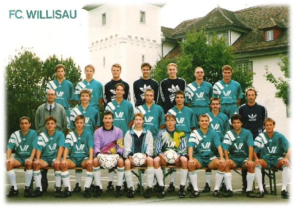 1. Mannschaft 1993 mit Trainer Urs Birrer und Präsident Willy Künzli