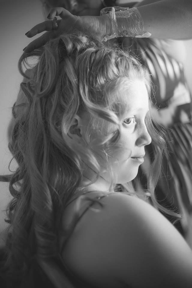 Coiffure enfant. Mise en beauté de la mariée, beauté événementielle L'Instant Beauté de Noé