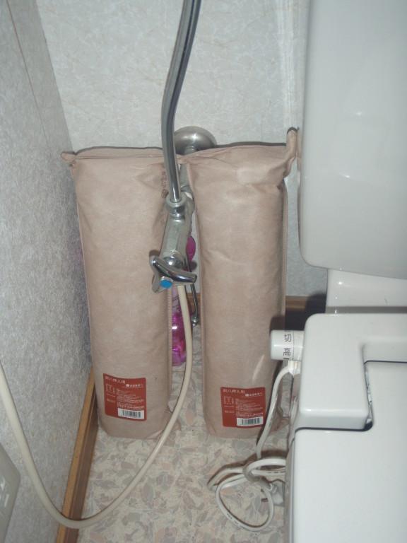 炭八 トイレの隅に置いて消臭効果