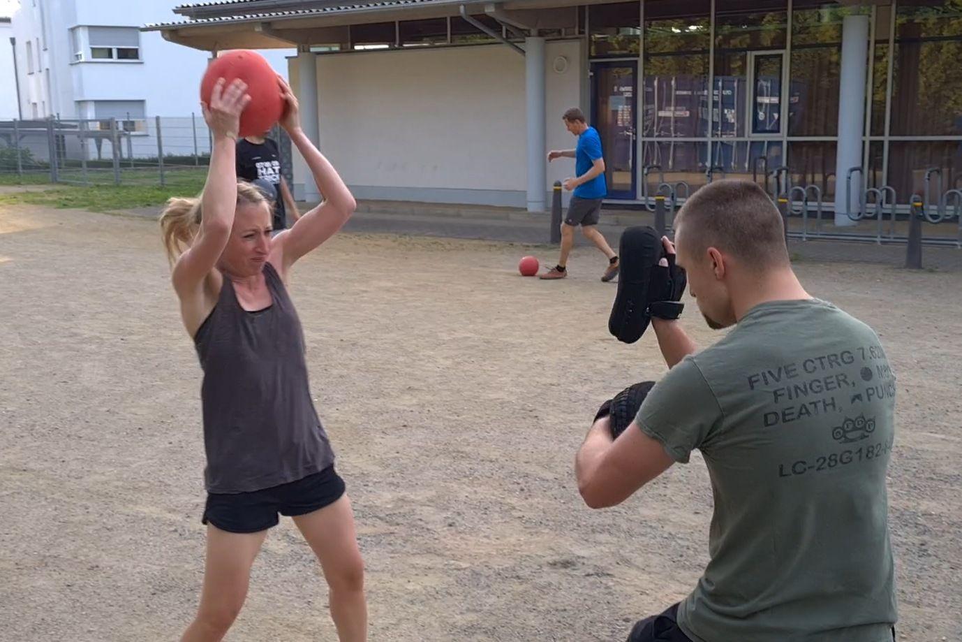 Slamball Training für Combatives, Krav Maga, Selbstverteidigung und Kampfsport (Teil 1)
