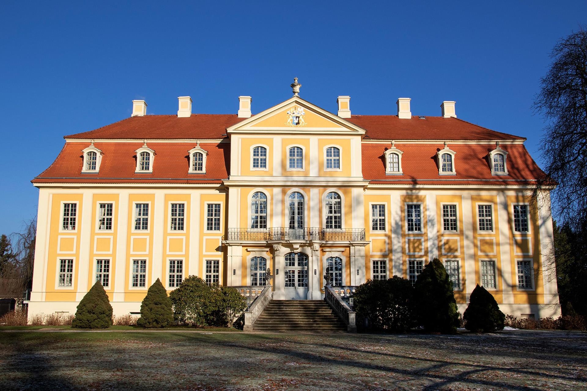 Barockschloss Rammenau - Gebäude vom Garten aus