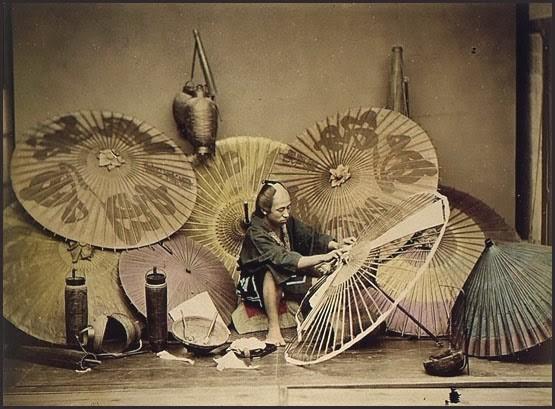 fabricant d'ombrelles en pin kōyamaki et papier enduit (Edo)