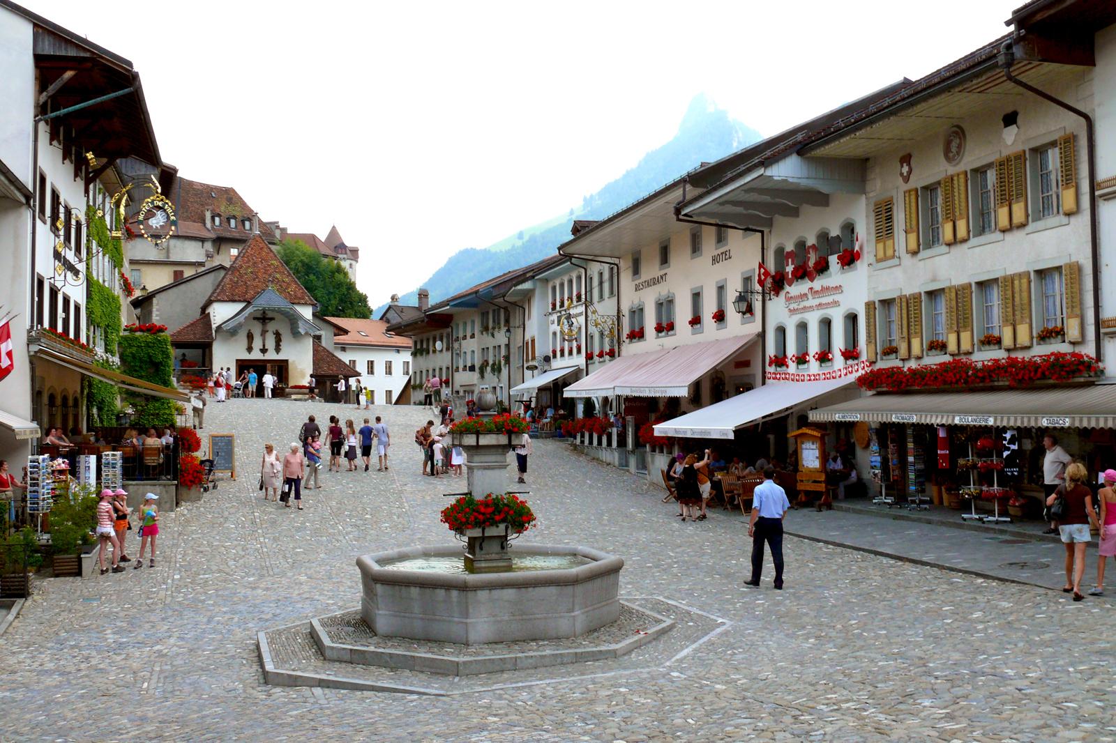 Main square, Gruyere (CH / FR)