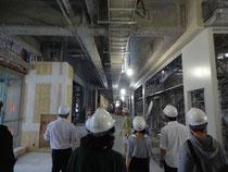 コンコースは長さ200メートル、幅18メートルで学生・教職員らの導線になる予定(学舎ゾーン2階)