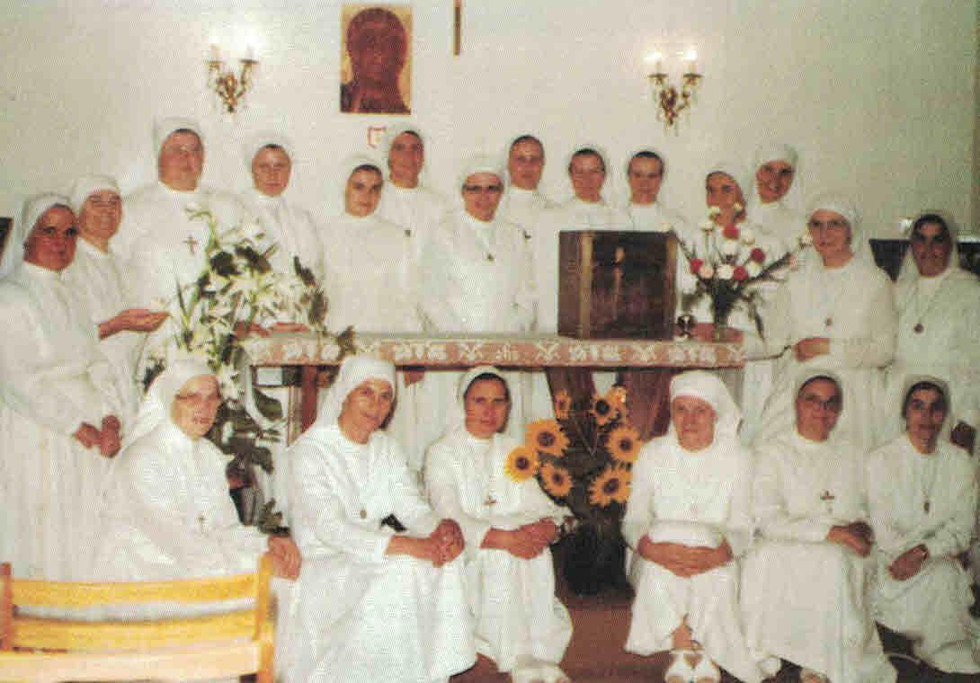 Schwesterngemeinschaften in der Kapelle © Eucharistinerinnen