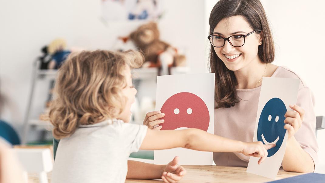 Wie erkläre ich meinem Kind, dass es zum/zur PsychologIn muss?
