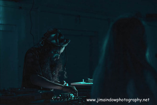Jeen Bassa IV of 23a Records playing dj set at Total Refreshment Centre, London 22.10.17