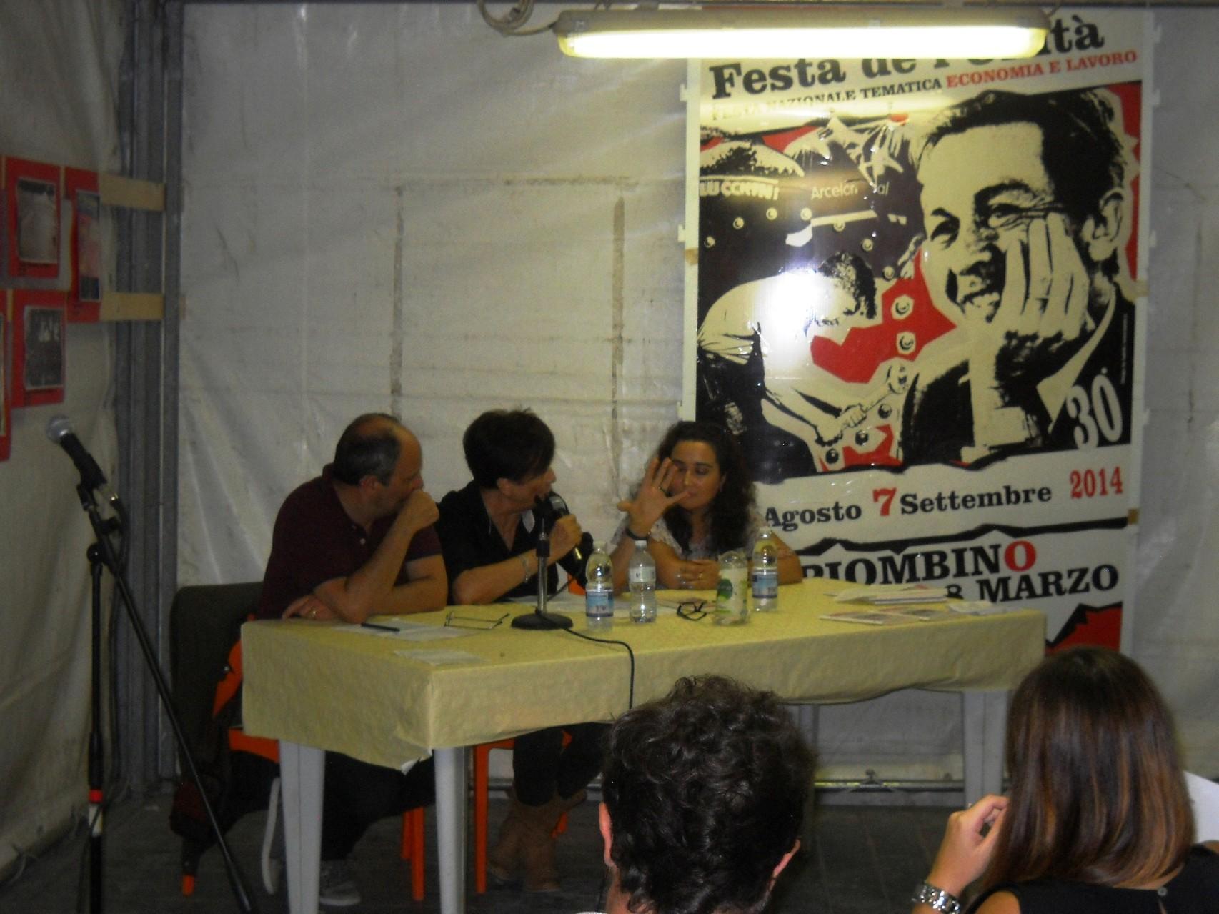 L'Assessore Claudio Capuano, l'Assessore Margherita di Giorgi e l'autrice Francesca Ghiribelli.