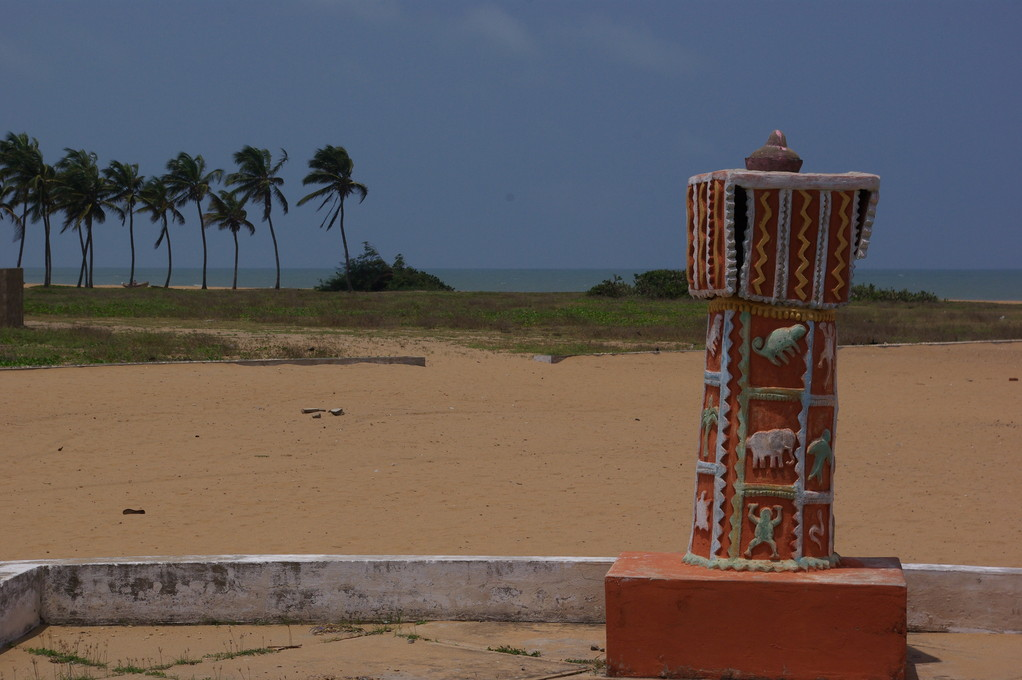 La plage de Ouidah et la porte du non retour, haut lieu de pélerinage