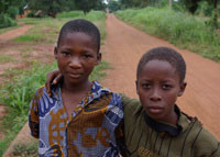 Des enfants du village de Kinkinhoué