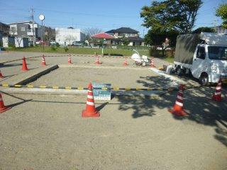 砂場の周りにコーンバー設置(安全処置)