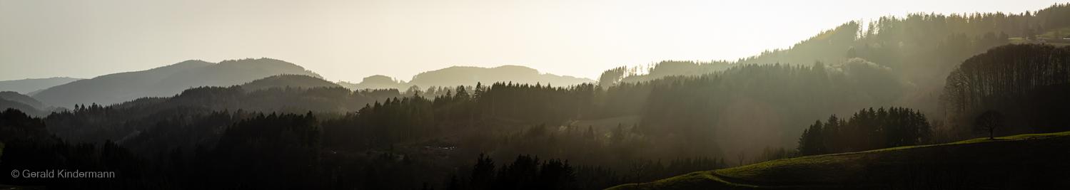 Sonnenuntergangspanorama im kleinen Wiesental