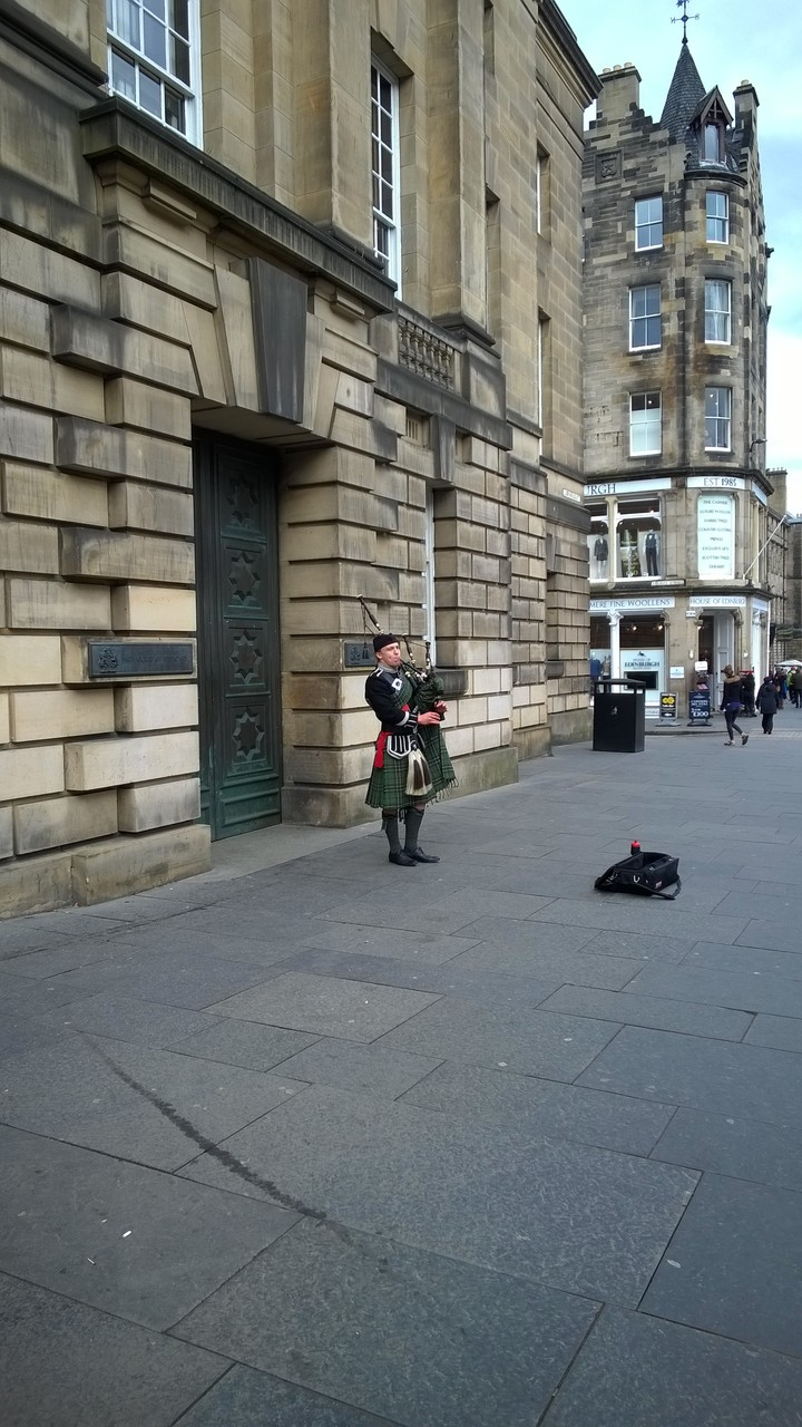 Busking bagpipes