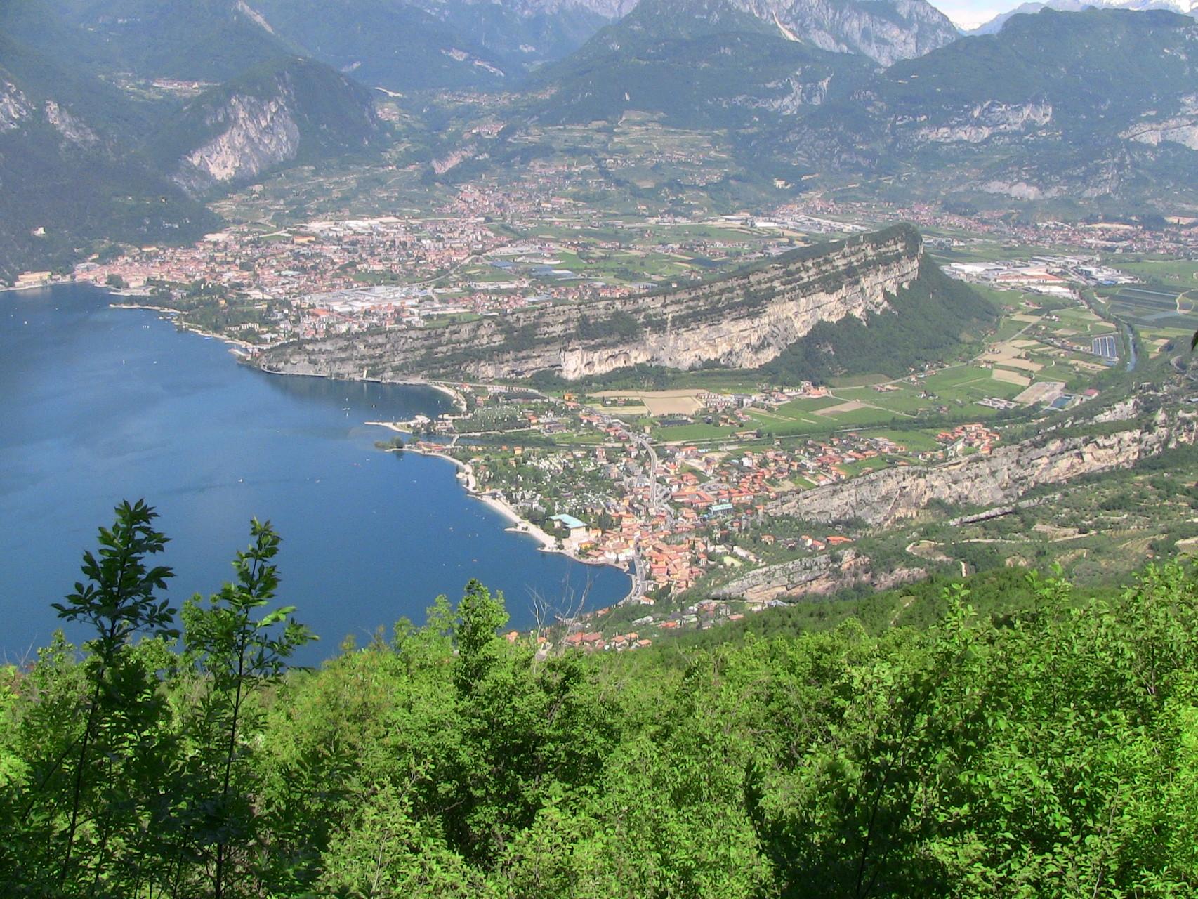 Blich auf Riva - Monte Brione - Torbole