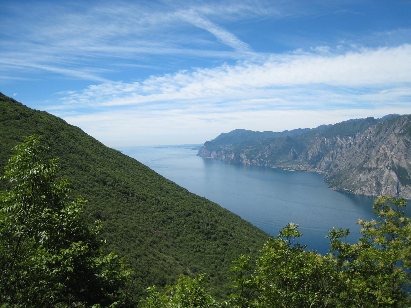 Blick vom Dosso dei Roveri nach Süden