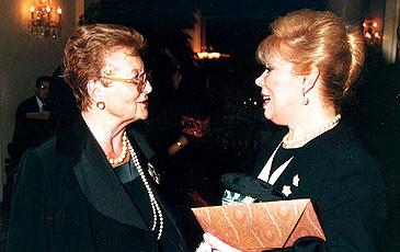 Il soprano Mirella Freni (dx) a Lugano, 1995
