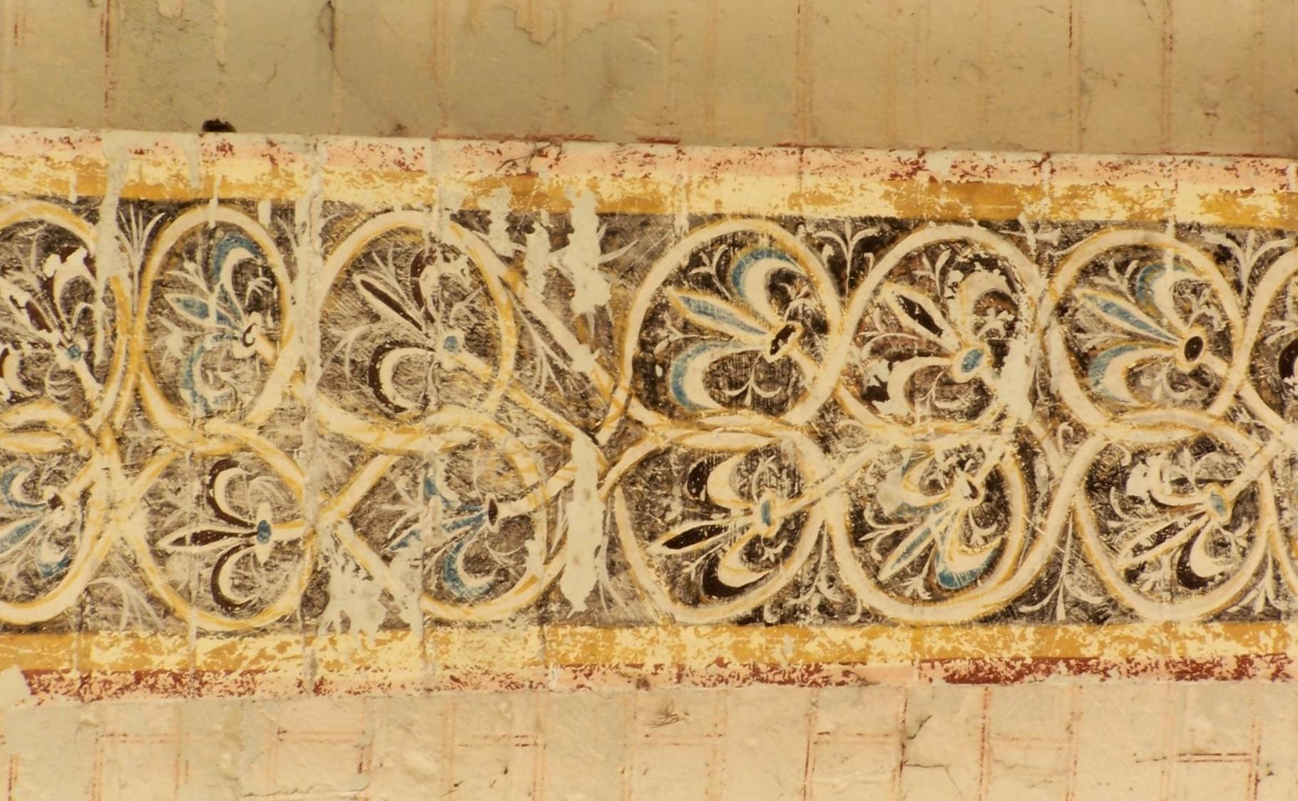 troisième arc doubleau - fleurs de lys