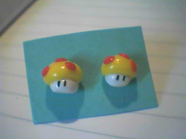 Super Mario, funghetti gialli - 3€