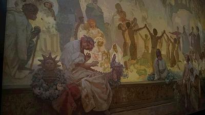 美しい女性と花の作風を生んだパリから祖国チェコに帰り描き上げた「スラブ叙事詩20枚