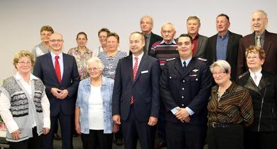 Die Ausgezeichneten gemeinsam mit Landrat Ludger Weskamp und Andreas Schulz, Vorstandsvorsitzender der Mittelbrandenburgische Sparkasse (MBS)