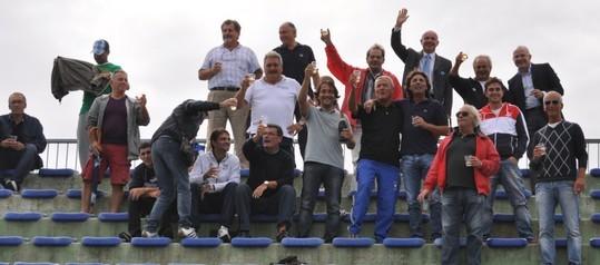 THIS IS THE FOTTBALL: brindisi sugli spalti tra dirigenti della Pescara Nord  e della Durini Pescara