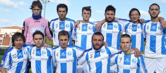 Nella foto la formazione della Pescara Nord scesa in campo contro il Verlengia nel match di andata 2011/12
