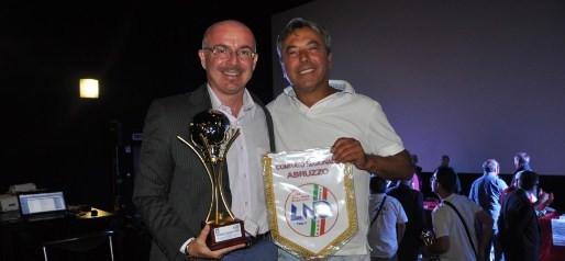Corfinio (7/09/2012) - Nella foto il Presidente Melizza si congratula con Stefano Leone (Durini Pescara) durante la premiazione per la vittoria del campionato di Seconda Categoria 2011/12