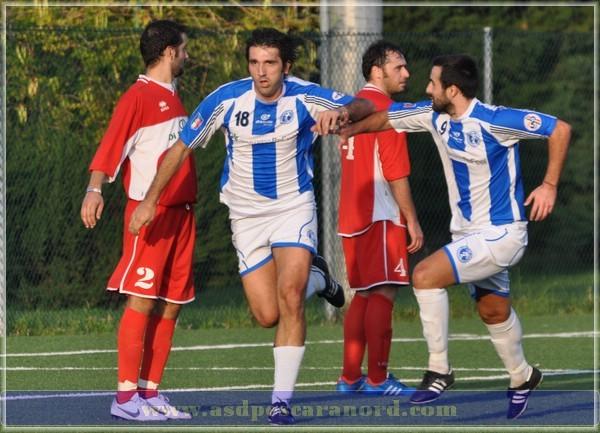 (20/10/2012). D'Annunzio-Pe Nord: 1-1, l'esultanza di Vittorio Pace al gol del vantaggio