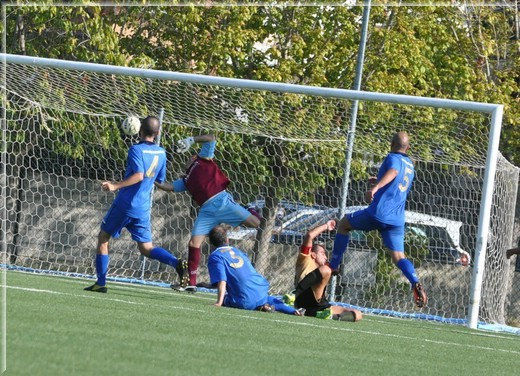Nella foto il gol realizzato da Ruggieri Giampaolo al 45'pt (1-0)