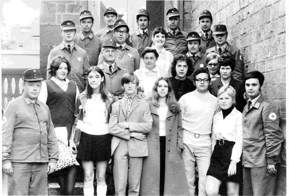 (1. von Links)BF H.Aulenbacher (1.von rechts) Vors. H.Meinl - Alle Teilnehmer vom Ortsverein Oberkirchen