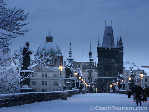 Prag im Winter - Karlsbrücke