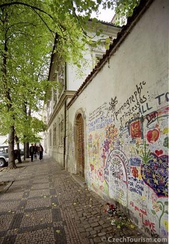 John Lennon Wand in Prag