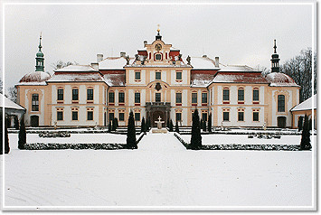 Schloss Jemniste in Winter