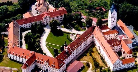 Luftaufnahme Kloster Scheyern biographisches Schreiben