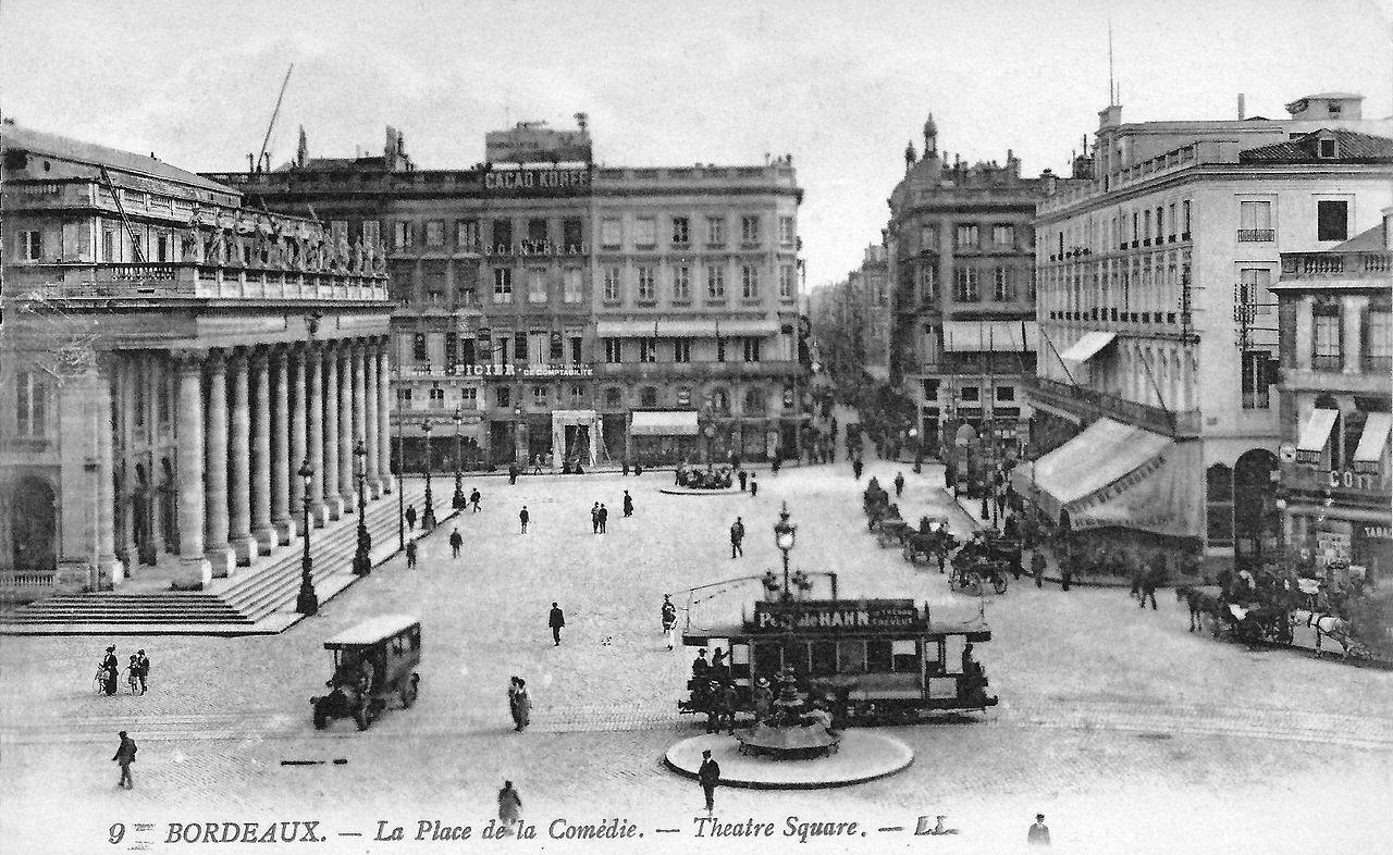 Tramway électrique place de la Comédie, 1900