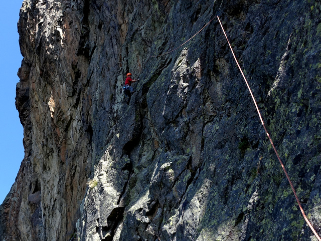 Climber: Stefan Joller / Photo: Thomas Banz / Location: Stabon, Mittagsfluh