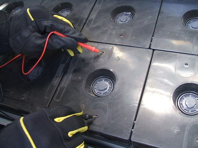 蓄電池点検状況