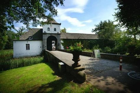 De entree van Kasteel Daelenbroeck te Herkenbosch