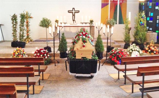 Bestattung Beckmann aus Bielefeld steht Ihnen im Trauerfall zur Seite.