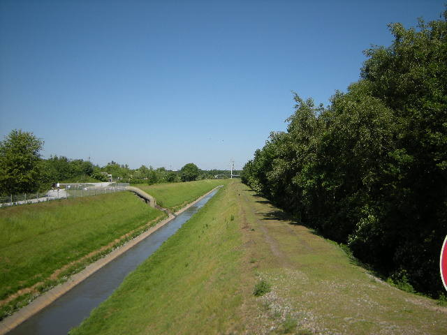 Richtung Kanal