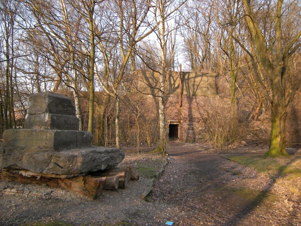 Kunst im Industriewald Rheinelbe / Alter Haldeneingang