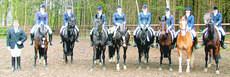 Sieger: Mannschaftsführer Lutz Harfst mit Lena Wesemann, Katja Stöver, Birgit Warnet und Annika Strasen (RC Hude II, linke Seite) BILD: Martin Fitzl