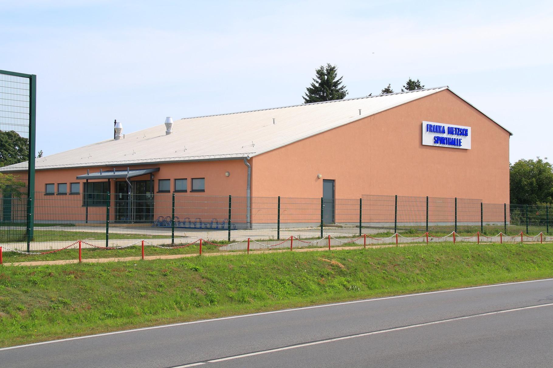 """Koserow, Mehrzwecksporthalle """"Franka Dietzsch"""""""