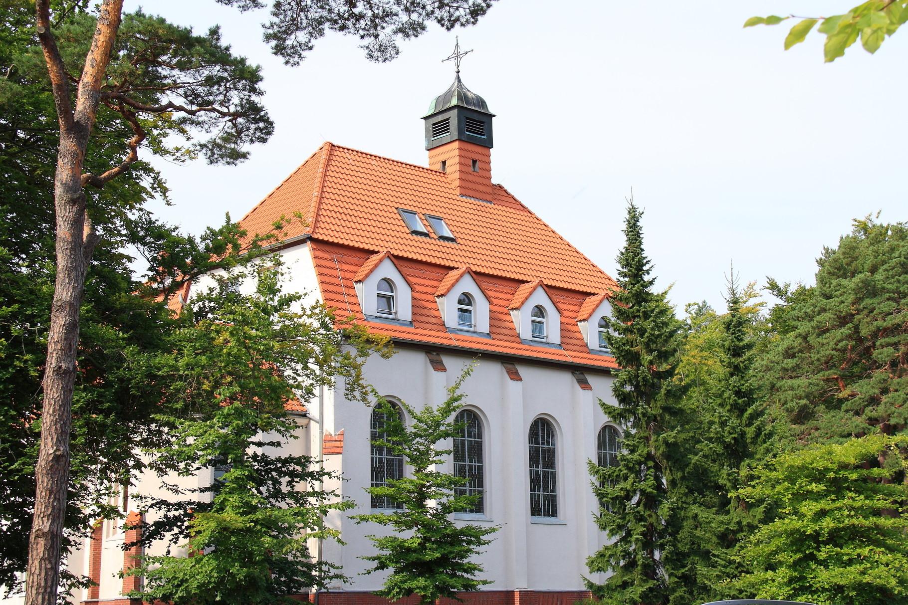 Ostseebad Zinnowitz, Wochentagskapelle