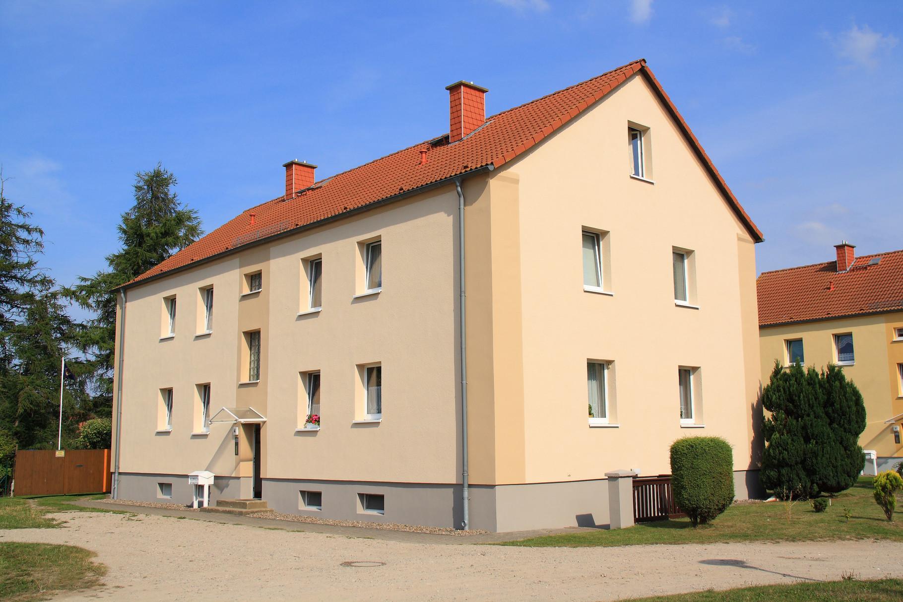 Mölschow, Mehrfamilienhaus zu den Neubauten