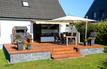 terrasse in filderstadt gartengestaltung gartenbau gartenpflege baumf llung pflaster platten. Black Bedroom Furniture Sets. Home Design Ideas